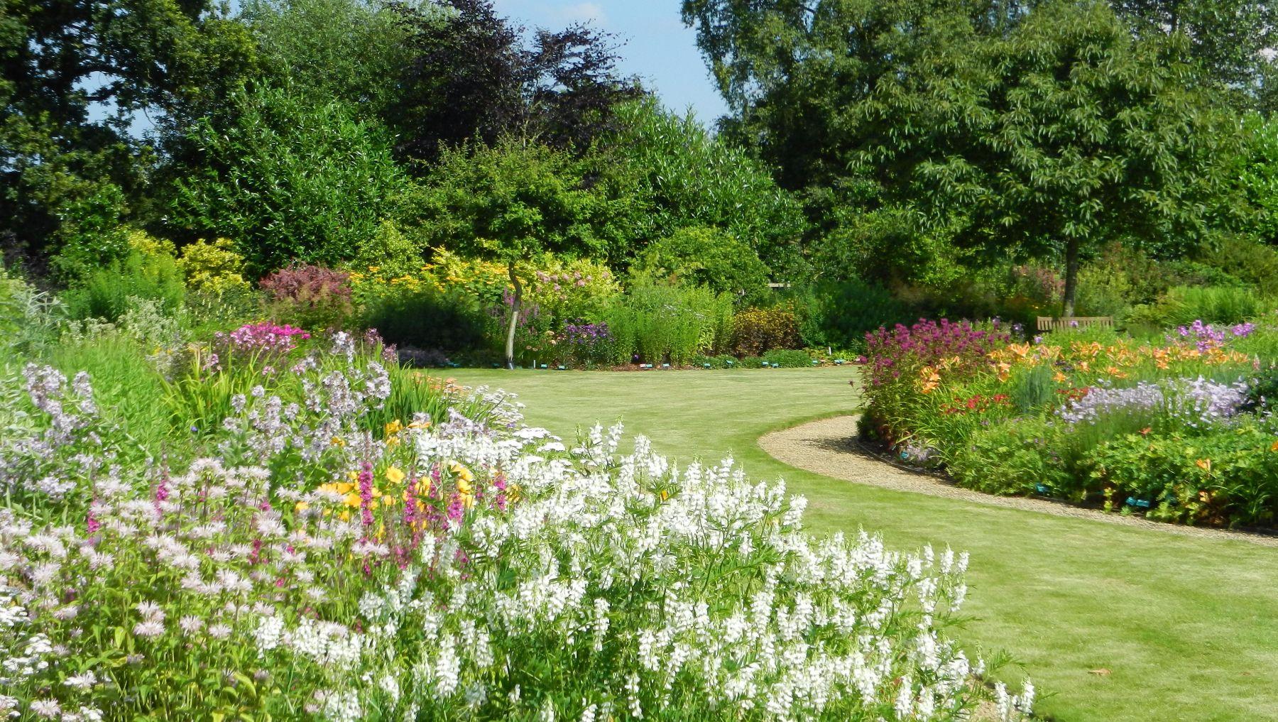 Breezy Knees Gardens, York, North Yorkshire - Castles Gardens