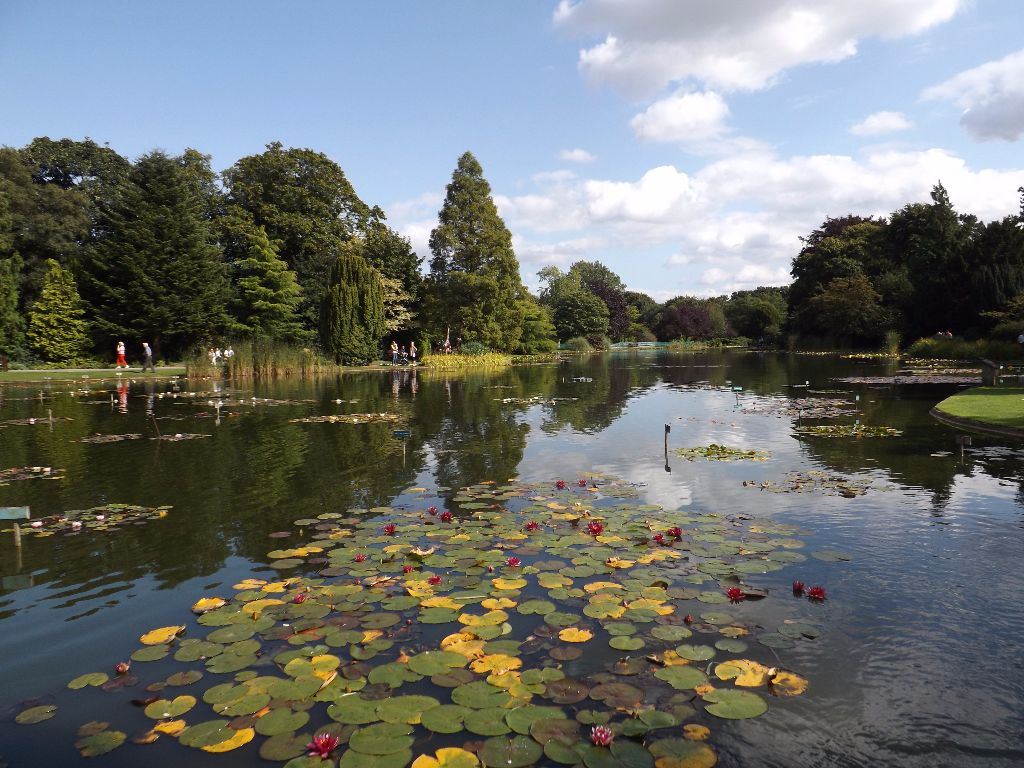 Burnby Hall Gardens and Museum, Pocklington, East Yorkshire - Great ...